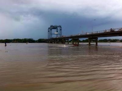 El río Apure se impone en la llanura