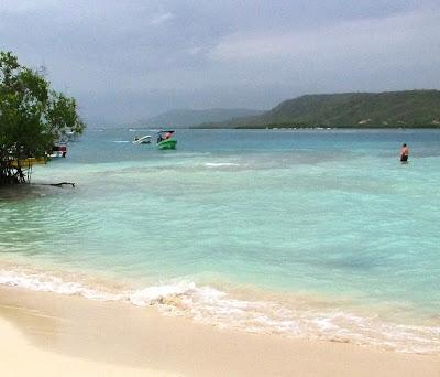 Paradisíaca aguamarina en Playa Sur