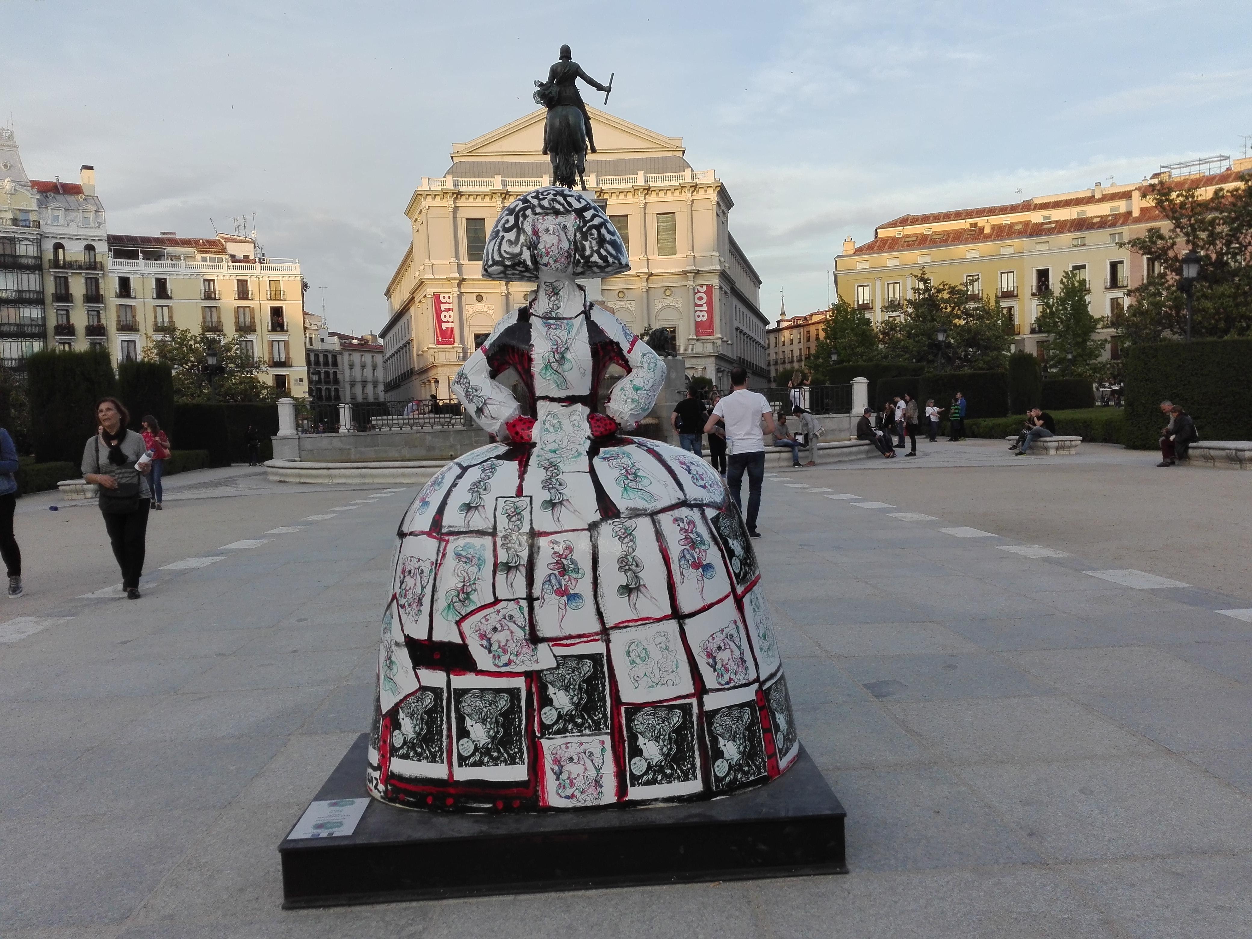 Las Meninas seducen a Madrid [archivo]
