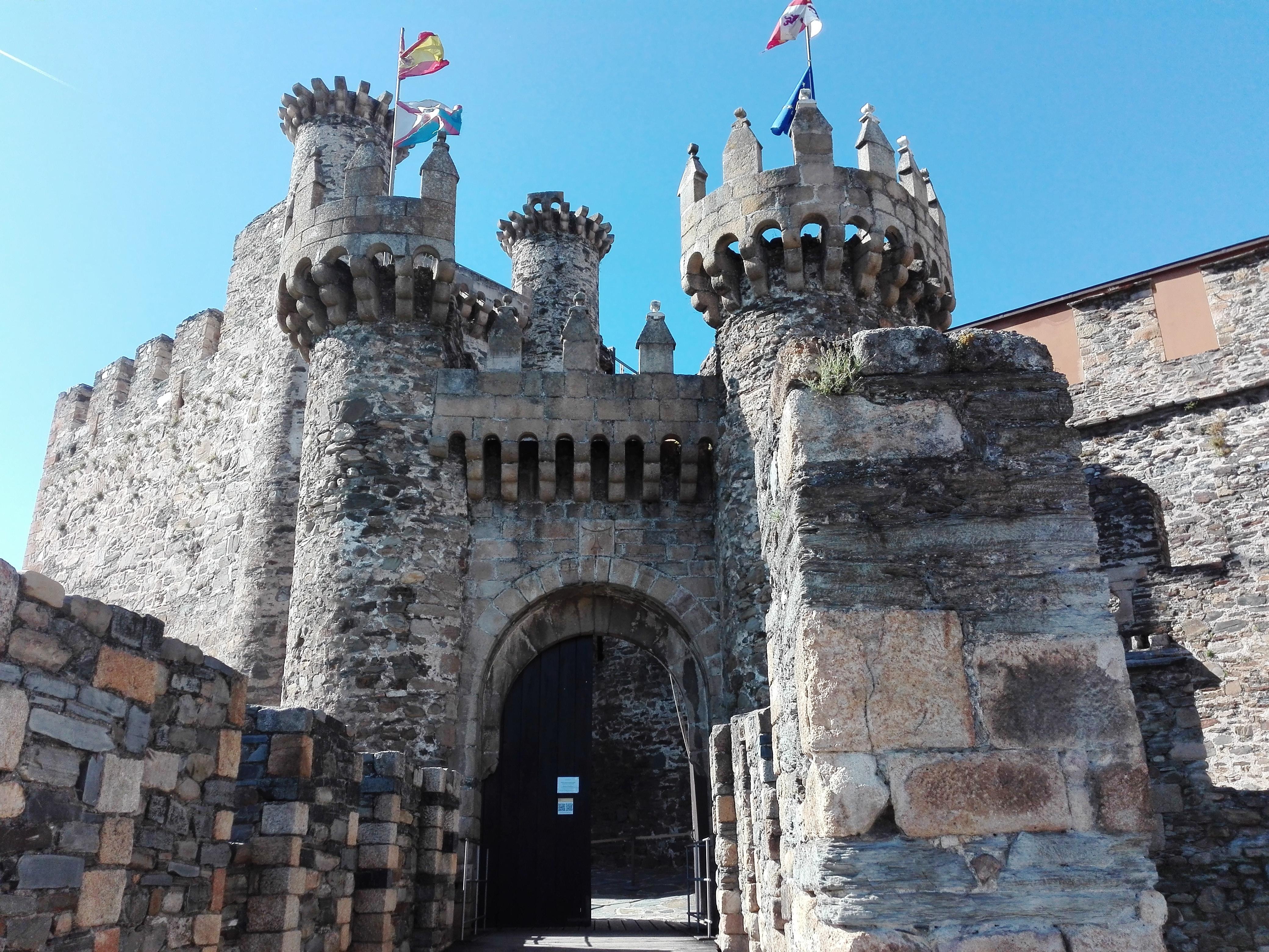 Castillo de Ponferrada patrimonio de Castilla y León