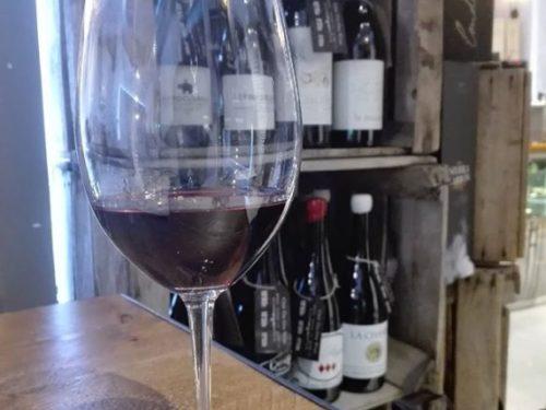 ¿Te gusta el vino tinto o blanco?